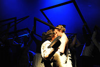 Peer Gynt Recharged: Kiss in blue light